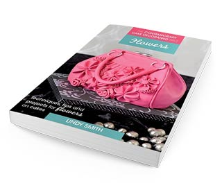 Cake Decorating Bible: Flowers by Lindy Smith